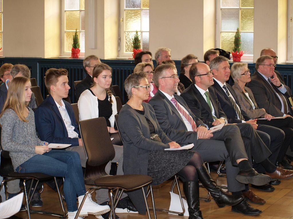 Frau und Herr Fugmann, daneben Fritz Husemann, Henning Schulz und Gertrud Pannek